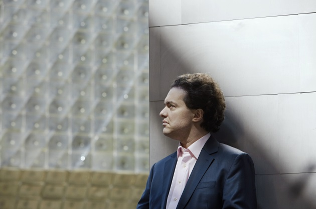 Evgeny Kissin in concert at the Victoria Hall